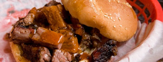 Mable's Smokehouse & Banquet Hall is one of BBQ-To-Do List.