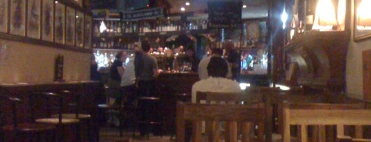 The Auld Alliance is one of Bars du Jeudi.