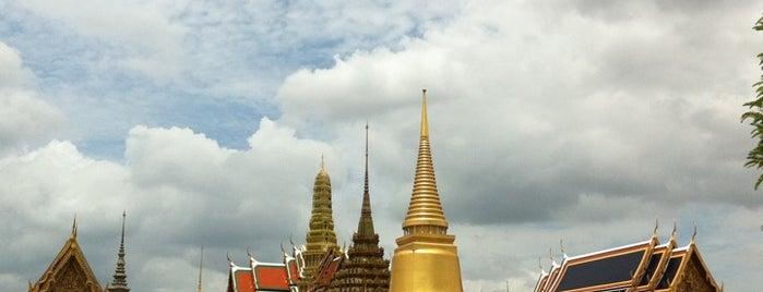 วัดพระศรีรัตนศาสดาราม (Temple of the Emerald Buddha) วัดพระแก้ว is one of Top 10 favorites places in Bangkok, Thailand.
