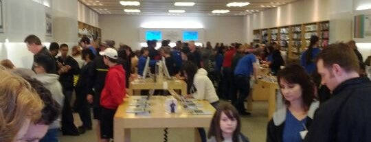 Apple Store, Perimeter is one of Cool Paces.