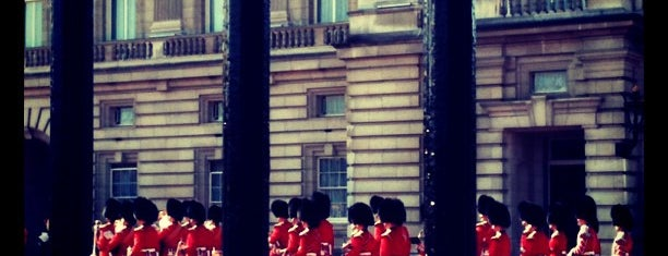 Buckingham Palace is one of Places to Visit in London.