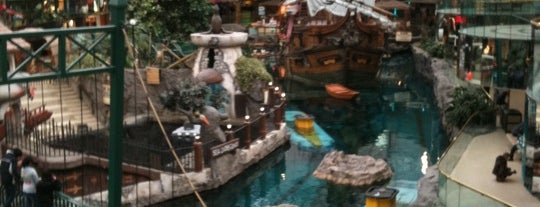 West Edmonton Mall is one of Canada Favorites.