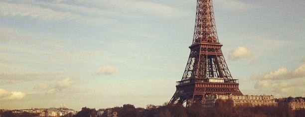 Tour Eiffel is one of Paris City Badge - La Ville-Lumière.