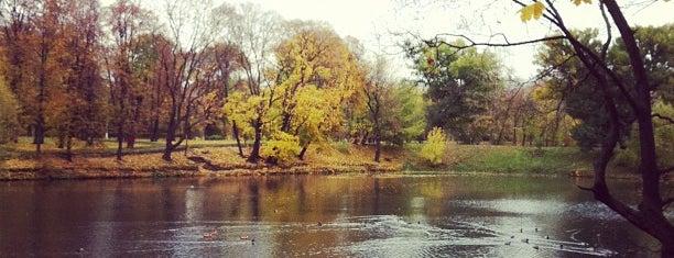 Лефортовский парк is one of Лучшие парки Мск.