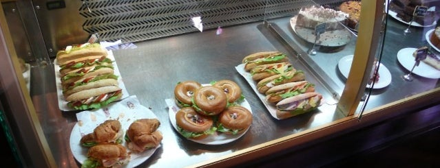 Coyote Café and Deli is one of Egy nap a városban: A legjobb reggeli nyomában.
