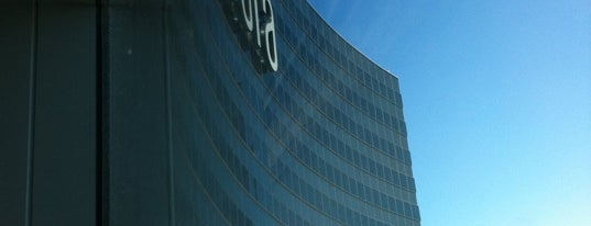 Vdara Hotel & Spa is one of Vegas Death March.