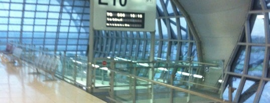 Gate E10 is one of TH-Airport-BKK-1.