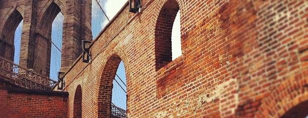 Brooklyn Bridge Park is one of Mis lugares más queridos !.