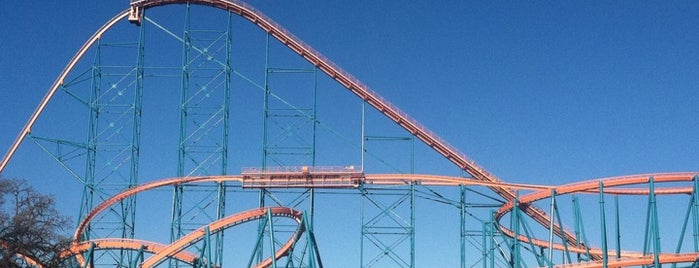 Six Flags Over Texas is one of Dallas Outings.