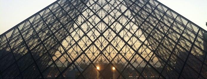 Musée du Louvre is one of Musées de Paris.