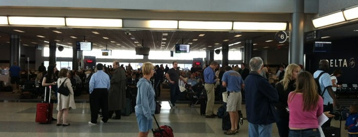 Gate B2 is one of Cincinnati Airport.