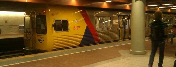 Platform 6 is one of AU.