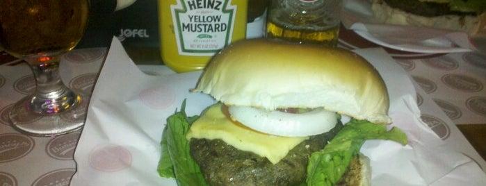 Barney's Burger is one of Guia de Fortaleza!.