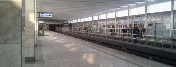 metro Rybatskoye is one of Метро Санкт-Петербурга.