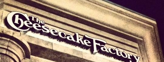 The Cheesecake Factory is one of He estado aqui.