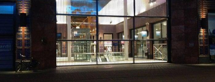 Winkelcentrum De Klanderij is one of Architectuur Enschede #4sqCities.