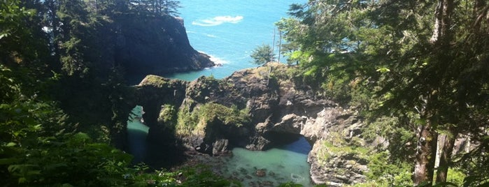 Natural Bridges Cove is one of Destination of the Day.