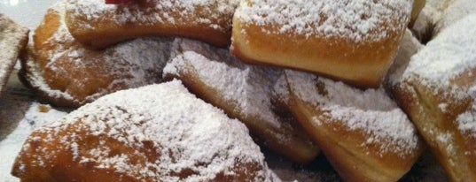 Artisan Foods Bakery & Café is one of Best Restaurants.