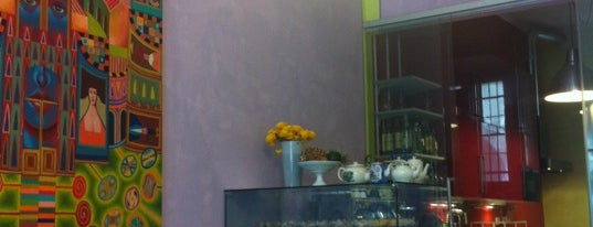 Mud Art Café is one of 2Eat....