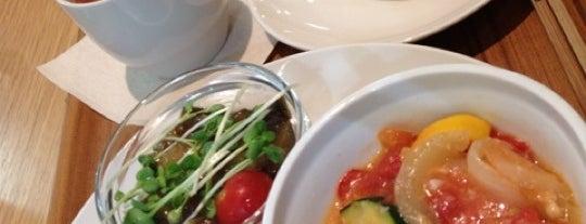 Cafe MUJI 京王聖蹟桜ヶ丘 is one of お気に入りカフェ.