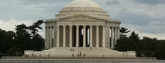 Thomas Jefferson Memorial is one of Must see in Washington DC.