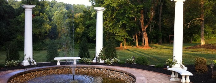 Chestnut Hill Bed & Breakfast is one of Best Places to Check out in United States Pt 4.