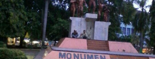 Monumen Joeang 3 Oktober 1945 is one of Pekalongan World of Batik.
