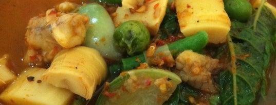แกงป่าศรีย่าน (Keang Baa Sii Yaan) is one of Feed Me.