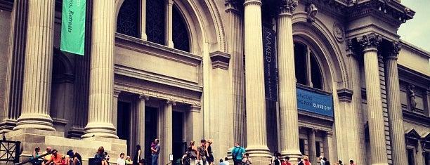 Metropolitan Museum Steps is one of World Sites.