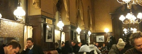 Café Sperl is one of Vienna tips.