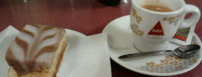 A Panificação Mecânica is one of Favorite Pastry Shops/Cafés in Lisbon.