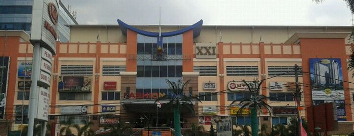 Bandung Trade Centre - BTC Fashion Mall is one of Top 10 places to try this season.