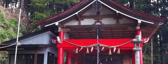 岩谷稲荷神社 is one of Shinto shrine in Morioka.