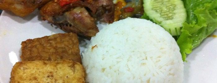 Ayam Bakar Wong Solo is one of makan sedap.