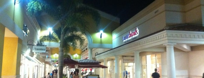 Orlando Vineland Premium Outlets is one of Orlando - Compras (Shopping).