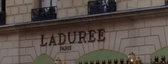 Ladurée is one of เที่ยวช้อปปิ้ง Paris!.