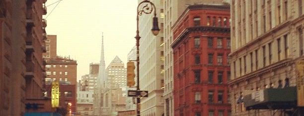 NYU 726 Broadway Building is one of Mis lugares más queridos !.