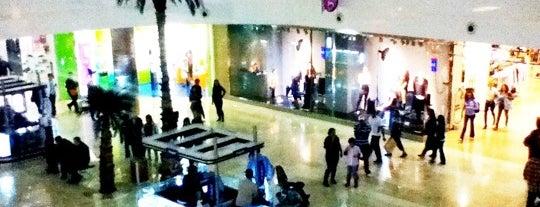 Galerías Guadalajara is one of Centros Comerciales Guadalajara.