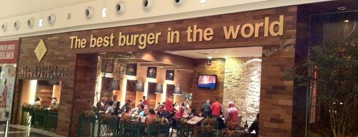 Madero Burger & Grill is one of O que recomendo em Curitiba.