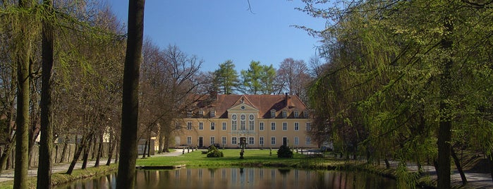 Barockschloss Oberlichtenau is one of Burgen und Schlösser.
