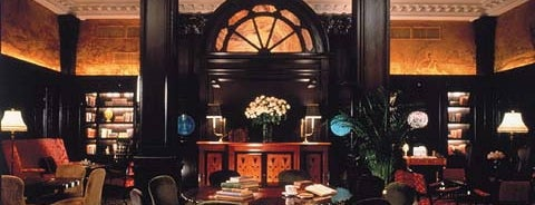 Algonquin Hotel, Autograph Collection is one of Literary Bars in Manhattan.