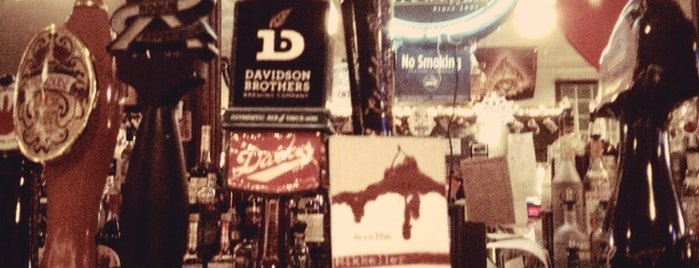 Mugs Ale House is one of To Drink in Brooklyn.