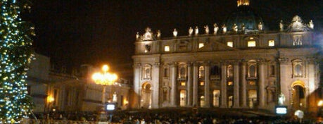 St. Peter's Basilica is one of l'amore [a Roma] dice ciao.