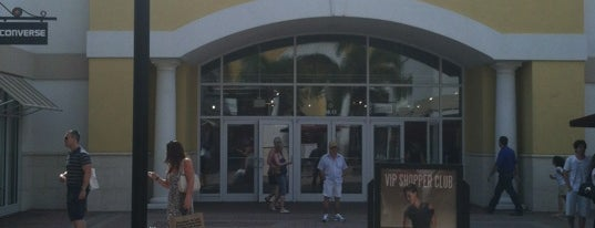 Nike Factory Store is one of Orlando - Compras (Shopping).