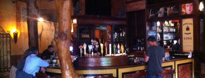 Fadó Irish Pub & Restaurant is one of Happy Hour in Seattle.