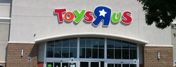Toys R Us Stores Offer Close-Out Bargains - Dallas, TX - Five North Texas locations are offering up storewide discounts of up to 30 percent in an effort to shutter the stores.