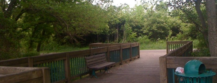 Shelby Bottoms Park & Nature Center is one of Best Family Friendly Venues.