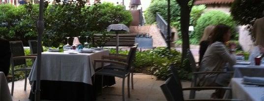 Restaurante Cien Llaves is one of Mejores cocinas Madrid.