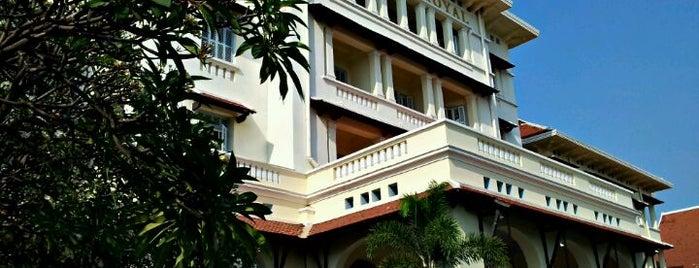 Raffles Hotel Le Royal is one of เที่ยว Phnom Penh.