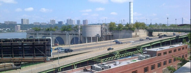 North River Pollution Control Center is one of AIA (NYC - The Heights and The Harlems).